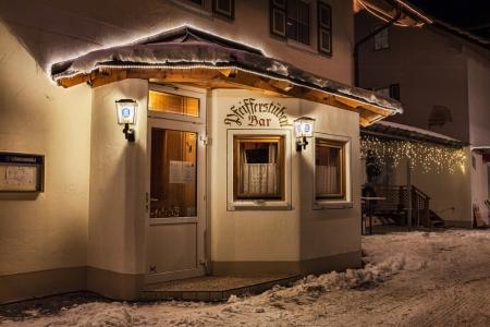 Der Eingang zur Hotelbar im Jakl-Hof (Pfeifferstüberl)